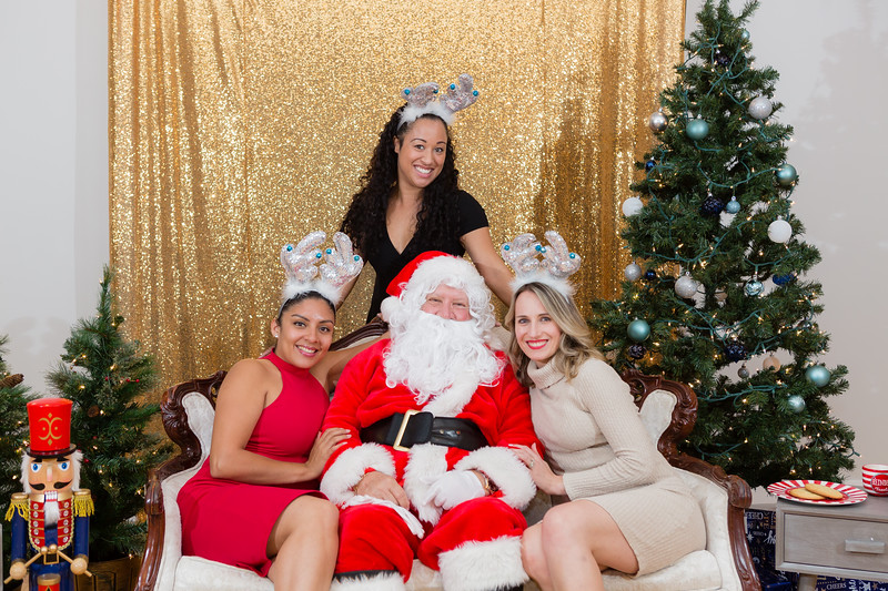 FADS Picture with Santa-383.jpg
