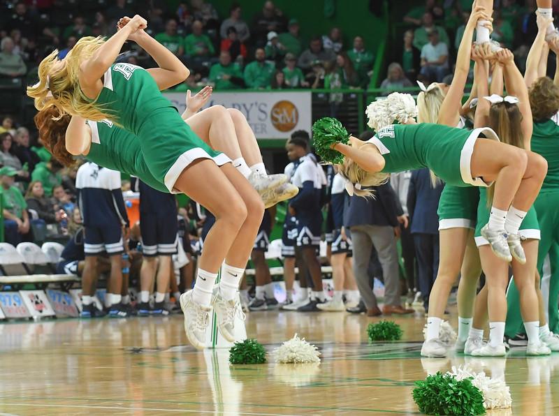 cheerleaders0999.jpg