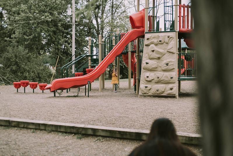 Eloise & Isabelle, BG Park 90.jpg
