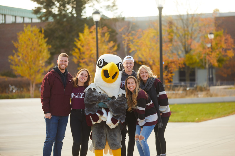 2019 UWL Fall Colors Students Vanguards Outside 0010.jpg