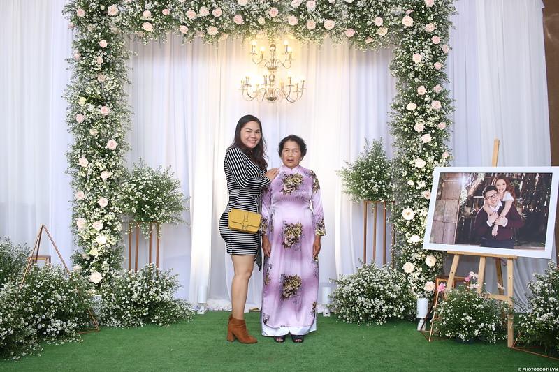 Vy-Cuong-wedding-instant-print-photo-booth-in-Bien-Hoa-Chup-hinh-lay-lien-Tiec-cuoi-tai-Bien-Hoa-WefieBox-Photobooth-Vietnam-083.jpg