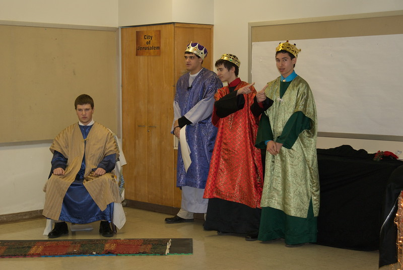 2011-12-18-Christmas-Pageant_127.jpg