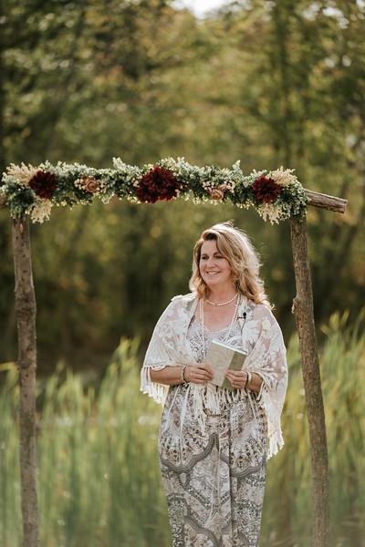 rustic_ohio__fall_barn_wedding-194.jpg
