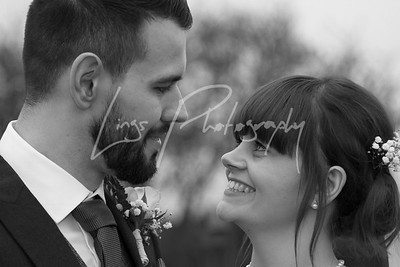 Kirsty & Jason - Stratton Court Barn