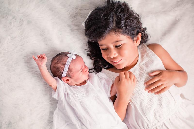 15-Newborn_photography_Durham-Yarissa_003_12.jpg