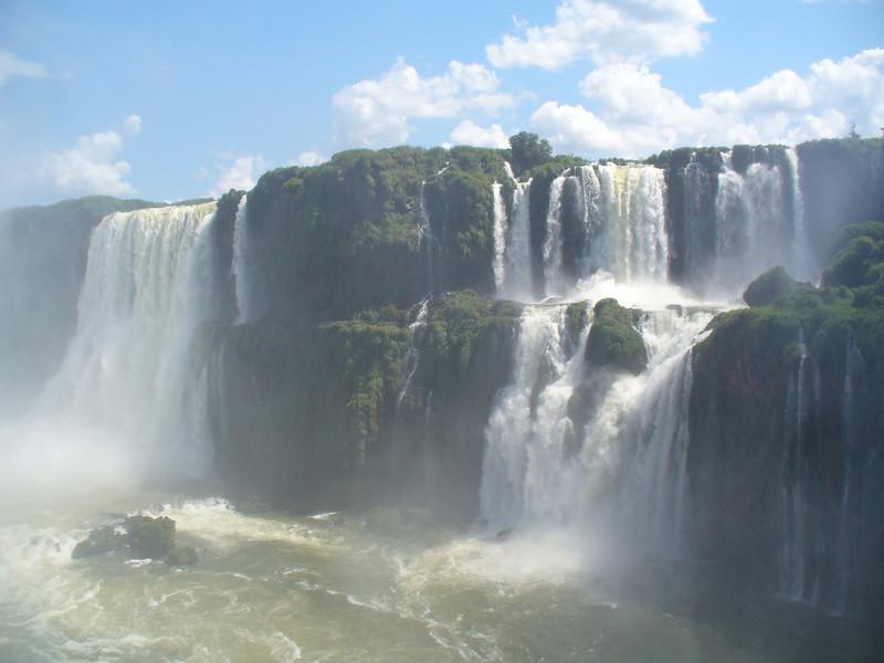 042 Iguacu Falls, Garganta do Diablo.jpg