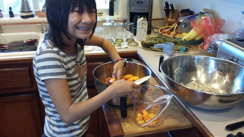 Making peach jam