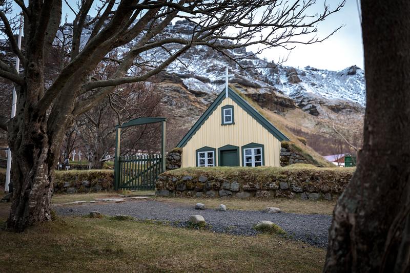 Church at Hof-1.jpg