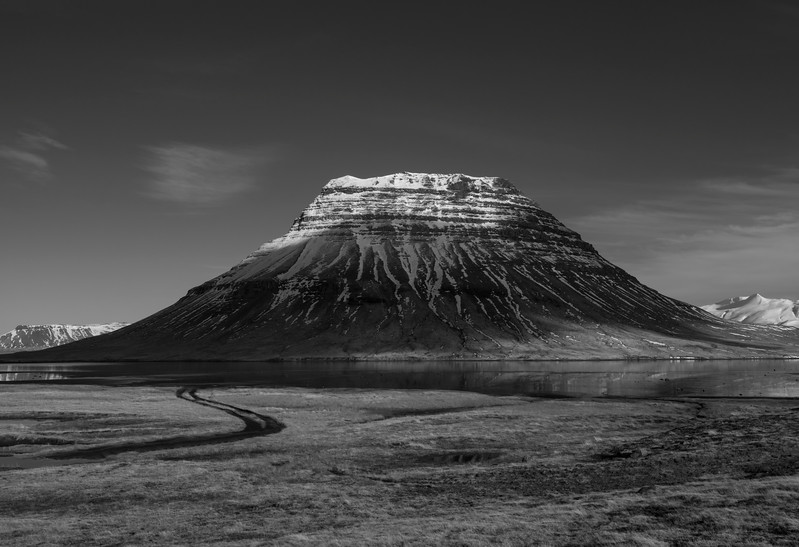 Iceland Killiderfal Backside dirt road B&W Email.jpg