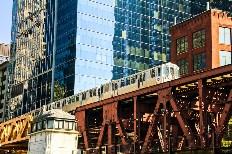 """The famous """"El"""" train in the downtown Loop"""