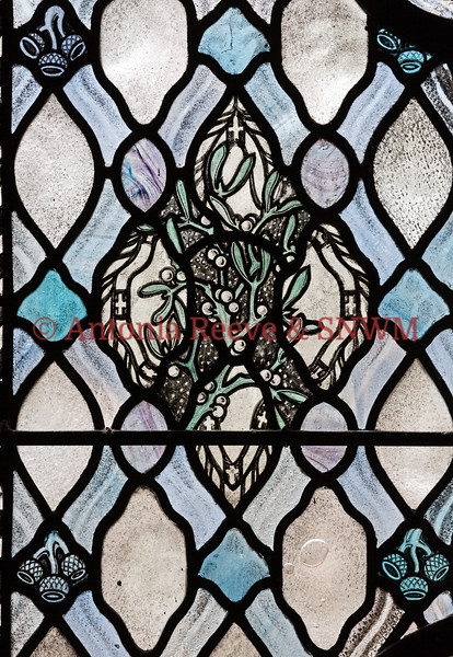 Winter Window - Mistletoe & Acorns