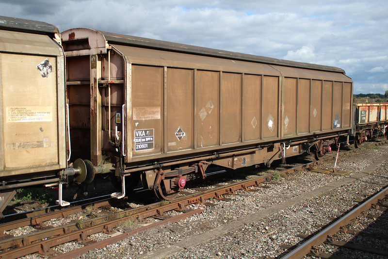 VKA 210601 on 6x38 Marchwood-Didcot at Didcot 18.09.13.