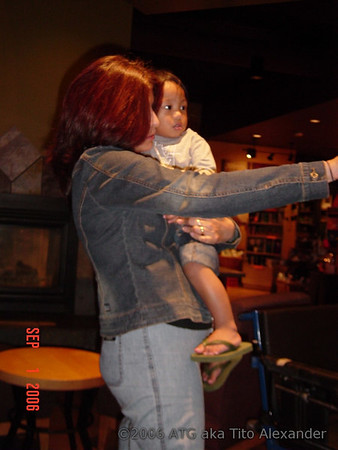 09-01-06 Summer in NY-Starbucks Gabe
