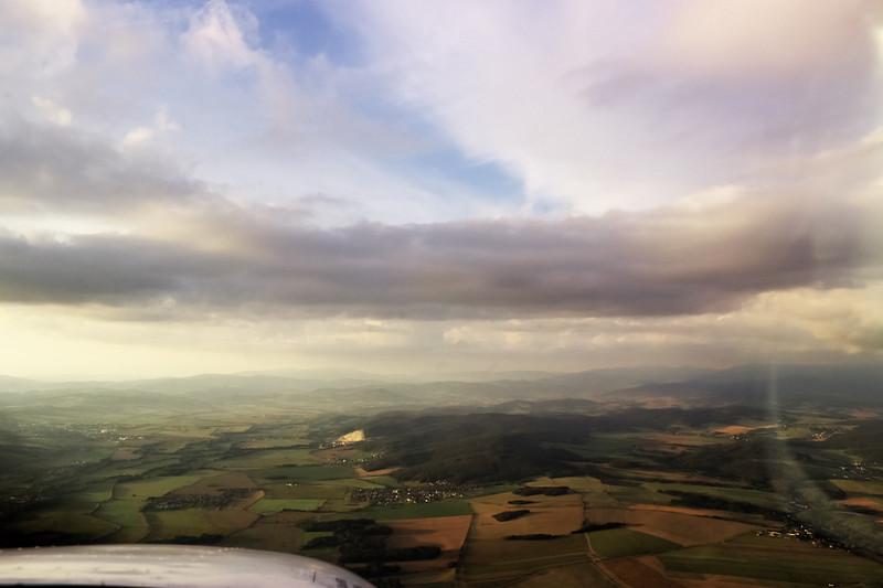 Pohled od Mohelnice víceméně přímo na sever na Jeseníky