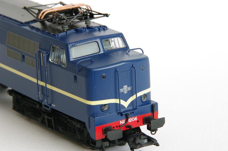 37121.1 NS 1206 Berlijns Blauw met logo 5.jpg