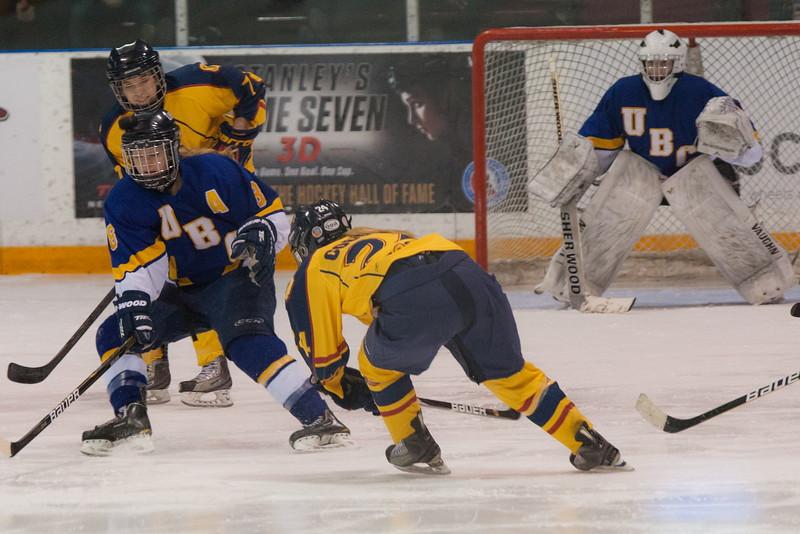 20130310 QWHockeyvsUBC 587.jpg