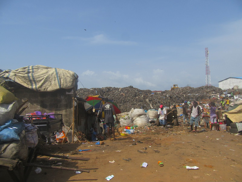 010_Freetown. East Side. Rubbish.JPG