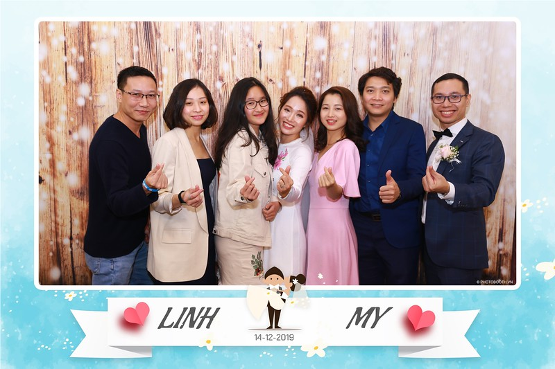 Linh-My-wedding-instant-print-photo-booth-in-Ha-Noi-Chup-anh-in-hnh-lay-ngay-Tiec-cuoi-tai-Ha-noi-WefieBox-photobooth-hanoi-144.jpg