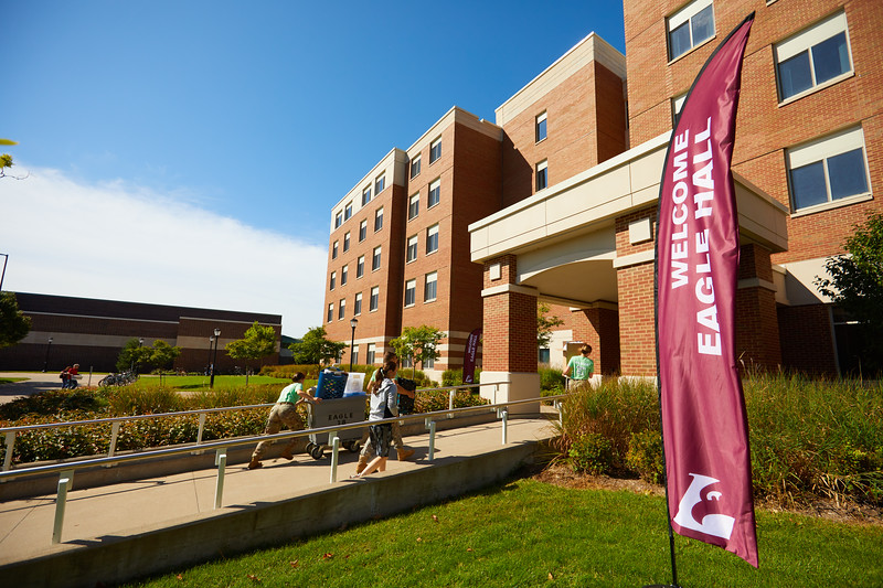 2019 UWL Fall New Student Move in Weekend NSO 0128.jpg