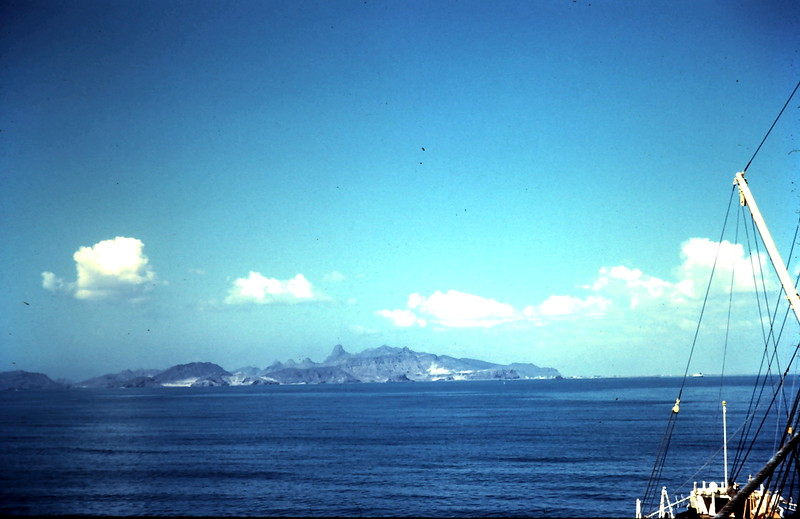 1960-2-20 (16a) Approaching Aden.JPG