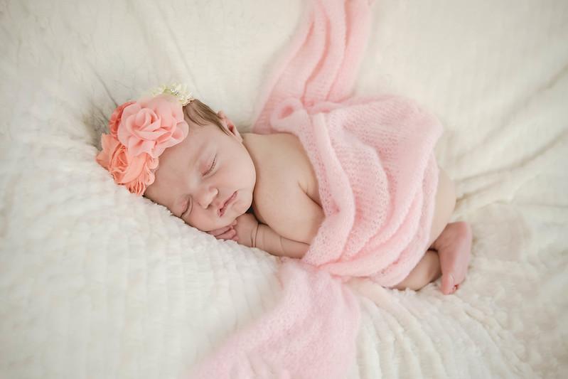 Haylee newborn session-20.jpg