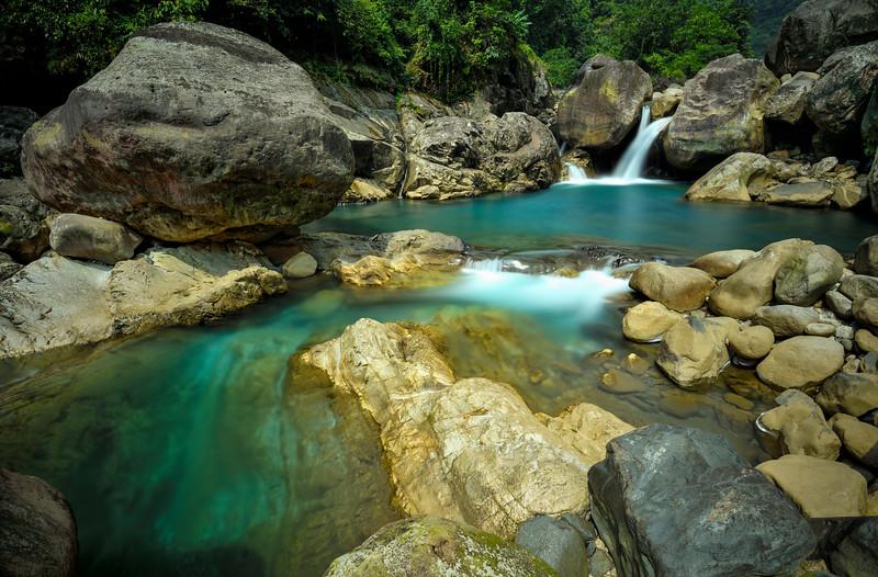 Um-Krysan-falls-Nongriat-Meghalaya.jpg