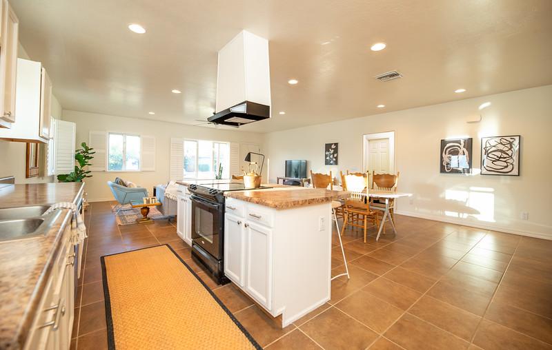 20190507-Kitchen livingroom 2.jpg
