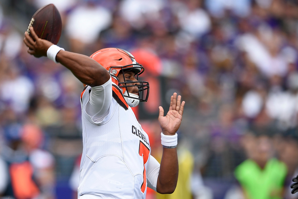 . Cleveland Browns quarterback DeShone Kizer (7) passes the ball during the first half of an NFL football game against the Baltimore Ravens in Baltimore, Sunday, Sept. 17, 2017. (AP Photo/Nick Wass)