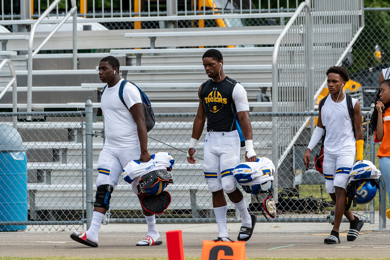 2019-09-28 Oscar Smith vs Indian River Varsity Football