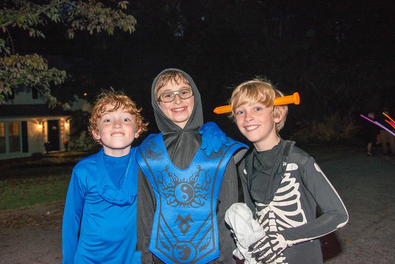 Halloween on Runnemede-15.jpg