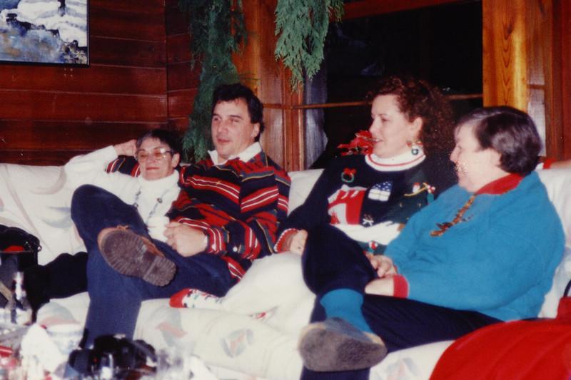7_Carol, Bill, Sal & Libby.jpg