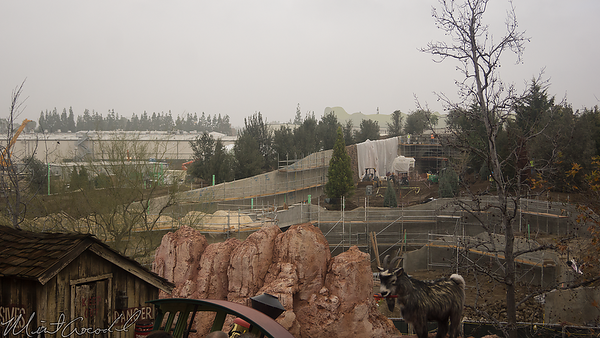 Disneyland Resort, Disneyland, Frontierland, Big Thunder Mountain Railroad, Big Thunder, Star Wars Land, Star Wars, Construction