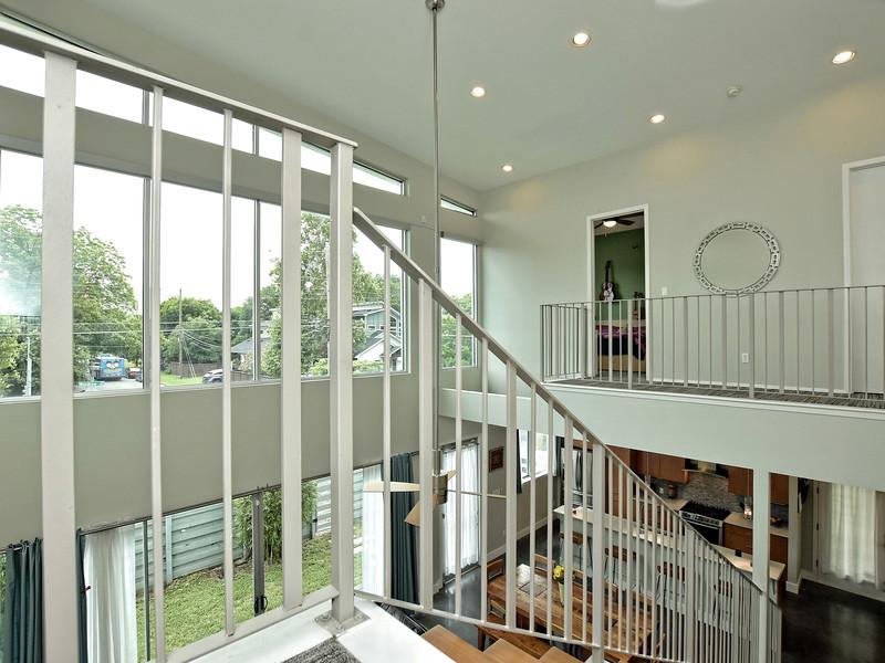020_Upstairs 2.jpg