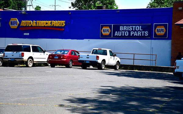8/15/2019 Mike Orazzi | Staff Napa Auto Parts in Bristol.