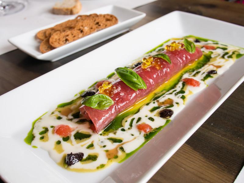 Tuna with mediterranean flavours.jpg