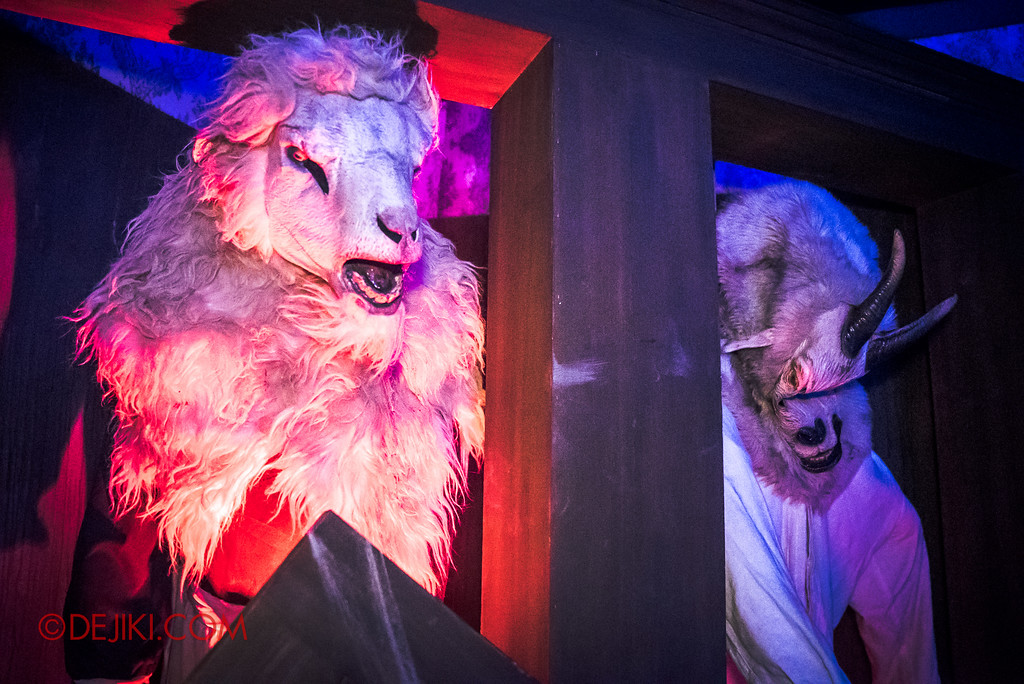 Halloween Horror Nights 6 - Salem Witch House / Mysterious Goat things