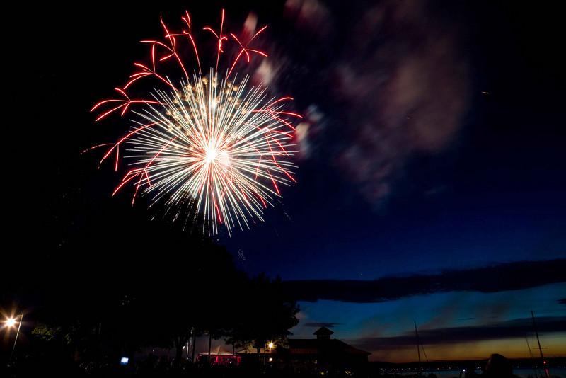 Fireworks at Burlington Waterfront - 2.jpg