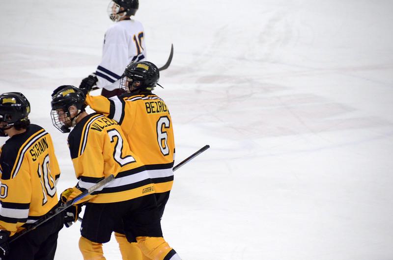 141004 Jr. Bruins vs. Boston Bulldogs-127.JPG