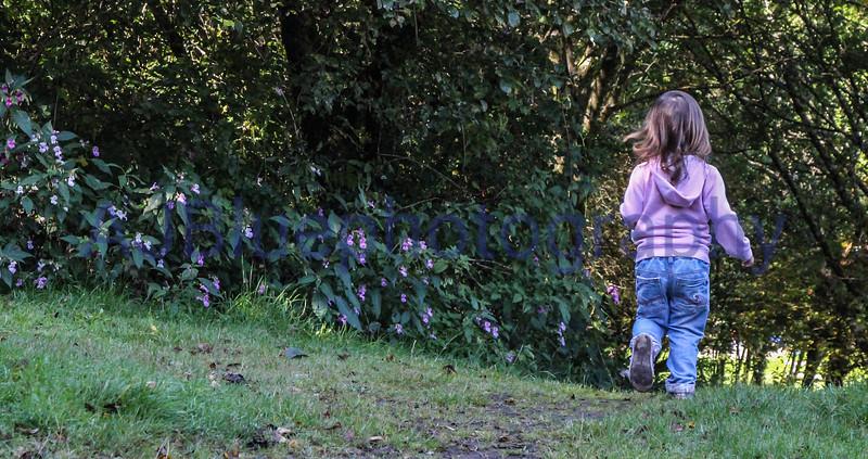she little run away.jpg