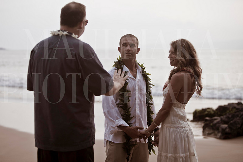 20110213Wailea Wedding (MMP-mona-cntr-2ln)IMG_5379-3.jpg
