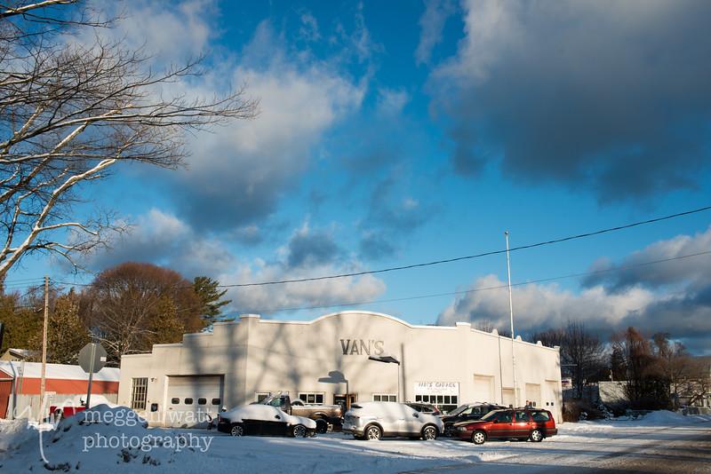 TLR-20200106-5618 Van's Garage, Leland