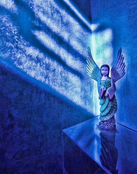 Blue Light Angel 3952.jpg