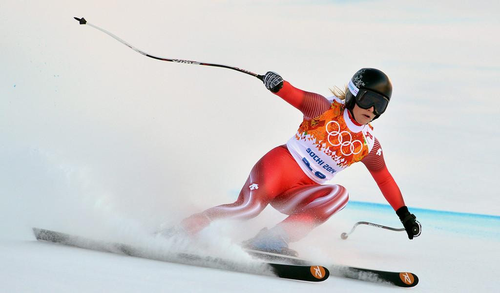 . epa04070972 Lara Gut of Switzerland in action during the Women\'s Downhill race at the Rosa Khutor Alpine Center during the Sochi 2014 Olympic Games, Krasnaya Polyana, Russia, 12 February 2014.  EPA/JUSTIN LANE