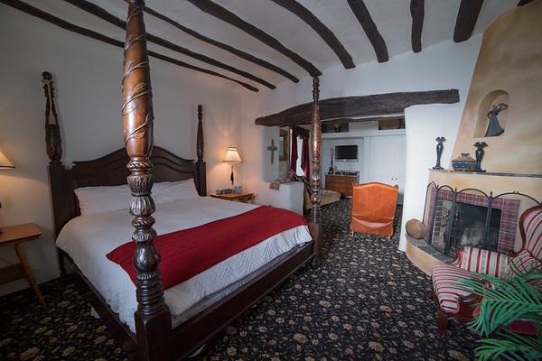 Josefina's Inn Suites