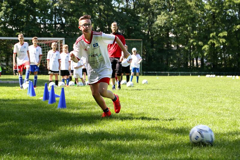 hsv_fussballschule-248_48047945791_o.jpg
