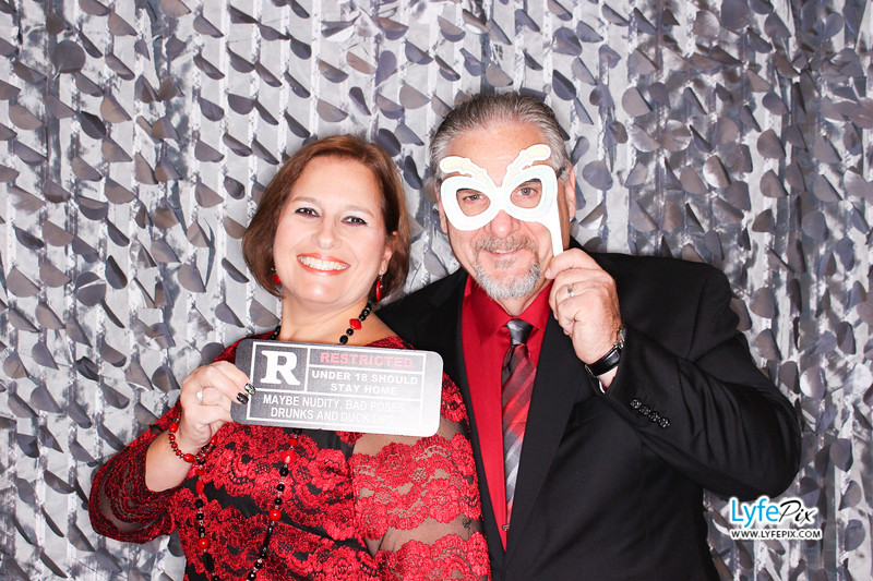 red-hawk-2017-holiday-party-beltsville-maryland-sheraton-photo-booth-0045.jpg