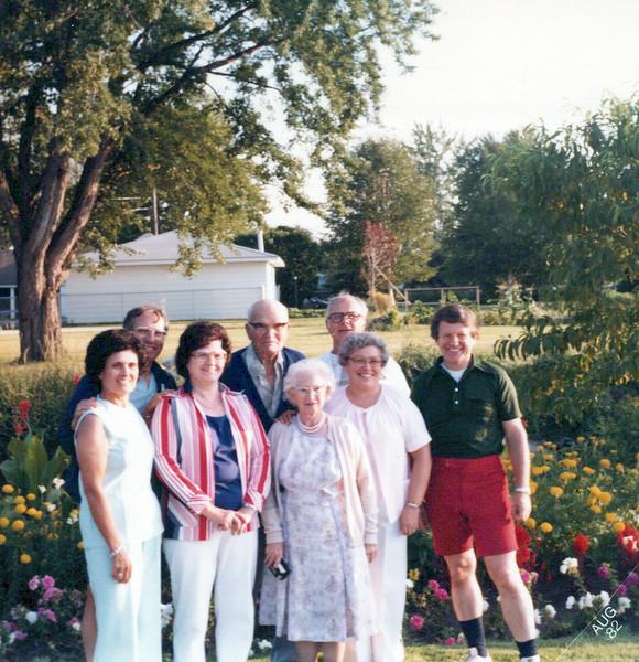 1982 Lloyd, Tony, Doc Marvin, Eileen, Lula, Florence, Wilma.jpeg