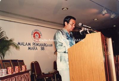 1988 - MALAM PENGHARGAAN MARA