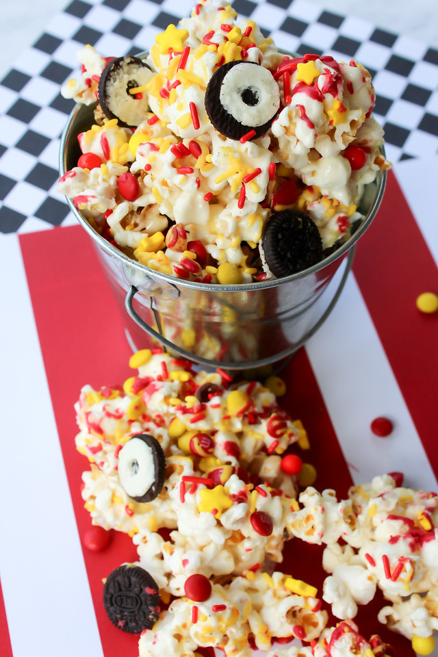 Having a Cars 3 birthday party or do you just want to surprise the Disney Pixar Cars-loving kid in your family? This Lightning McQueen popcorn #recipe rules