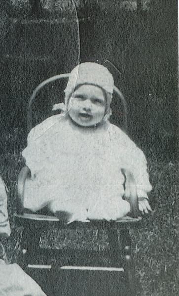 Wilma Eileen Clark 1921 (around 6 months old).jpg